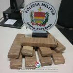 PM faz apreensão de drogas em Balneário Arroio do Silva